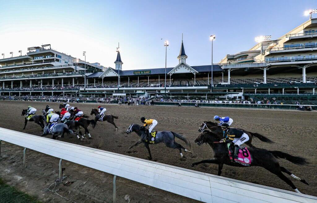 Authentic winning the Kentucky Derby